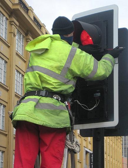 Blog 18 media traffic light repair